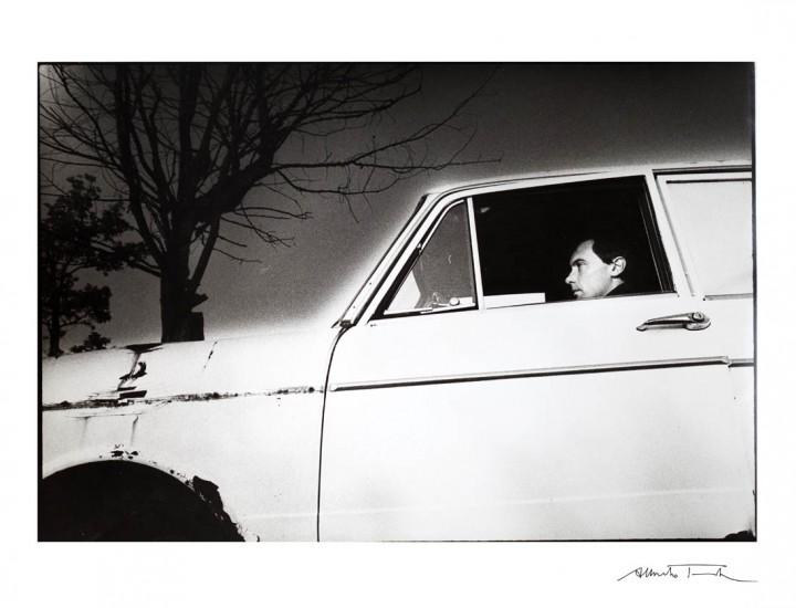 Stefano Grondona e l'auto abbandonata